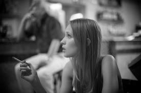 タバコ吸ってる女無理ってのが理解できないんだが