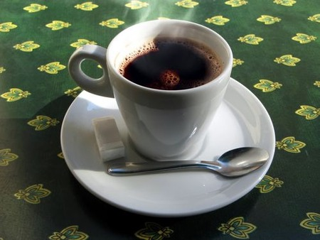 コーヒー飲んでる奴の「え?全然苦くないよ?」アピールうぜぇよな