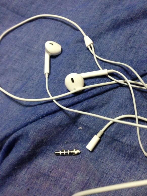 【驚愕】iPhoneに付属していたイヤホンの予備を買ったんだけど・・・