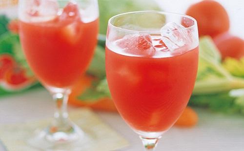 野菜ジュースを毎日1リットル飲みまくった結果wwwwwwwww