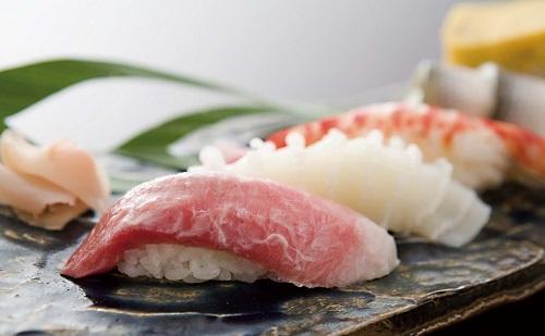 寿司の食い方分かってない奴多すぎwwwwwww