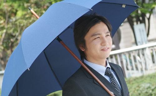 男の日傘はキモイとかいう悪しき習慣wwwwww
