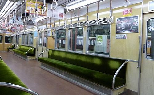 【悲報】朝の電車内でラブライブの曲が鳴った結果wwwwwww