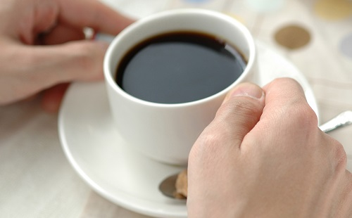ブラックコーヒー飲んでる奴って絶対かっこつけだよな