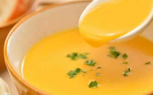 俺「コーンスープごはんうまっ!」ジュルジュル お前ら「うわぁ」
