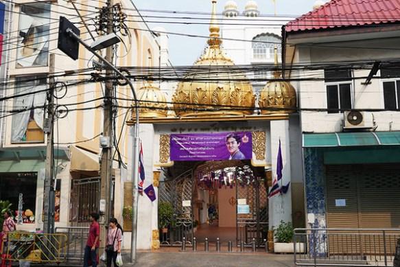 タイには餓死しないように毎朝うまいインドカレーが食える寺があるらしいぞ! お前ら急げ!!!!