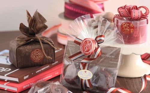 【驚愕】バレンタインで本命チョコに血や唾液を入れるのが流行ってマジ?