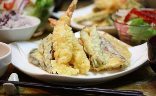 天ぷらに塩つけてどや顔で食う奴wwwwwww