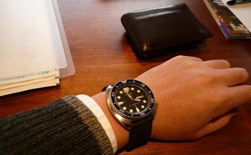 腕時計にはこだわれ!!社会人のたしなみを伝える画像が話題に