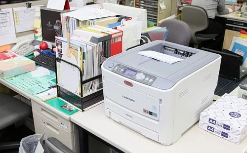 新入社員だけど50枚の印刷物を間違って1000枚出したったwwwww