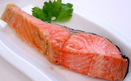 サーモン好きとか言ってるくせに焼鮭はそうでもない奴wwwww