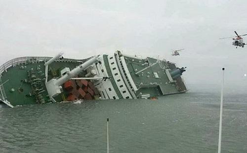 【韓国旅客船沈没】案内放送員を除き、船長と乗組員は真っ先に脱出!!