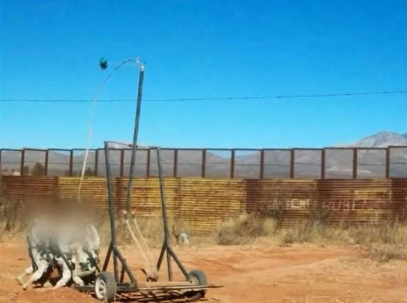 【画像あり】メキシコのマフィアが麻薬を密輸する方法がヤバすぎクッソワロタwwwwwwwww