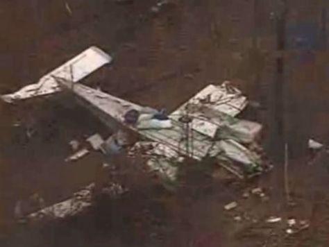 飛行機の墜落事故に遭った7歳少女が歩いて助けを求める00