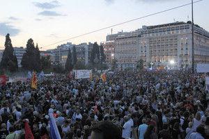 市民数万人緊縮案「ノー」政権支持集会に参加した大学生「返済能力のないギリシャにお金を貸した側にも問題がある」