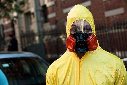 「非人道的」ニューヨーク州、エボラ対策の強制隔離を緩和 オバマ政権が圧力