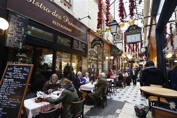 フランス人「テロに屈せず、カフェで食事をしよう!」 SNSで呼びかけ
