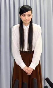 【芸能】不倫女ベッキー、CM違約金10億円請求で完全終了のお知らせwwwww