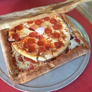アメリカの人気ピザ屋が考案したピザがマジキチすぎて日本人ドン引き