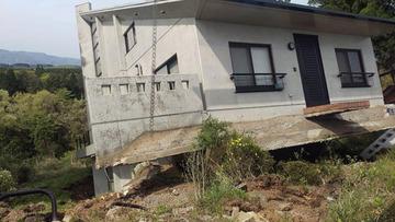 """【熊本地震】つくば市から移住の男性「3.11で地震が怖くなり移住したのに、また被災…」 """"シニアの楽園""""高級別荘地が壊滅"""