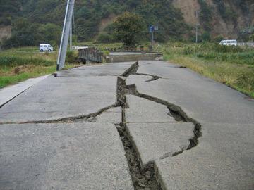 関東東方沖などでM4~6台の地震相次ぐ…大地震の前触れか