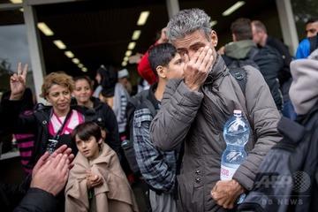 【ドイツ】元難民が新たな難民を大歓迎 → マスコミ「まるで英雄を迎えるような歓迎」と報道 → それを見た難民がドイツを目指す無限ループに突入