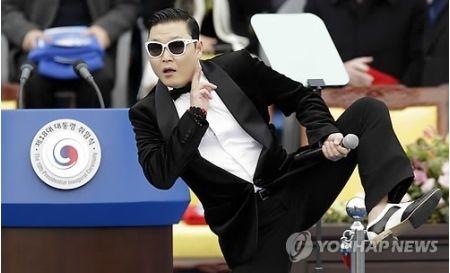 PSY『江南スタイル』、YouTube再生回数26億回突破wwwww
