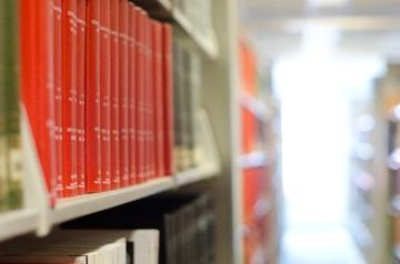 小説家「図書館に新刊本を寄贈するのやめて!作家は死にます」