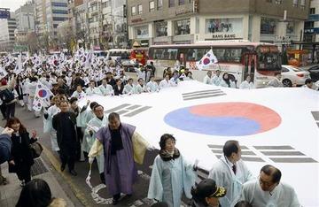 韓国人「就職氷河期で働く場所がない、どうしよう…。そうだ、日本に出稼ぎに行けばいいニダ!」