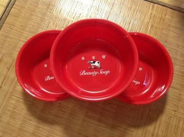 「牛乳石鹸、いい石けん!」 湯桶を盗まれた銭湯に湯桶&石鹸プレゼント