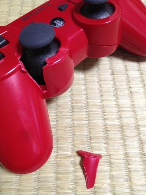 【画像】PS3のコントローラ壊しちゃったから今から治す(´;ω;`)