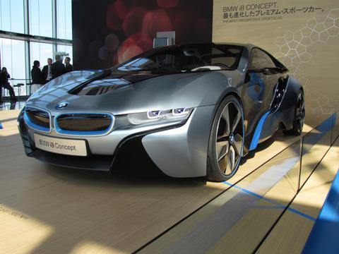 宝くじで3億円当たったら、どんな車を買う?