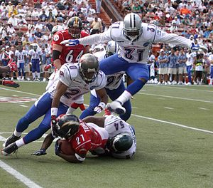 300px-2006_Pro_Bowl_tackle