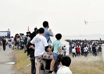 【千葉】貧乏人が1万5千円のレースをタダ見しまくって主催者激おこwwwww