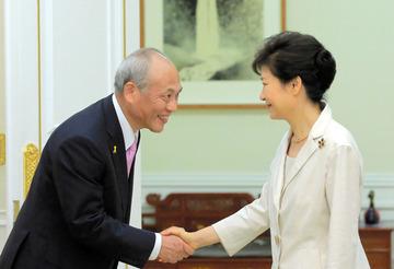 「ヘイトスピーチがなくならなければ、東京五輪を返上する」 舛添知事がパククネに約束