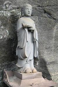 【千葉】ピンクのジャージの男女が聖徳太子像を破壊して逃亡…鋸山・日本寺