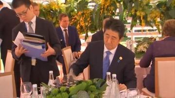 【G20】東洋経済「安倍首相が手酌で水を注いでいた」 → ネット民「それの何が問題なのか」と総ツッコミwwwww