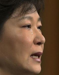 """【韓国旅客船沈没】朴大統領の""""涙""""効果なし? 与野党が閣僚総退陣を要求"""