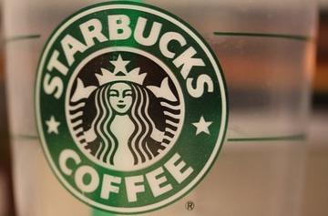 【海外】スタバで他人にコーヒーをおごる行為がブーム 「ペイイットフォワード」 2日間で750人