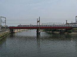 【大阪】台風通過時に学生3人がゴムボートで川下り → パトカーや救急車など計16台が出動する騒ぎに