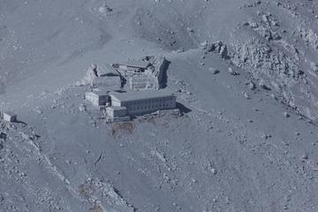 【御嶽山噴火】朝日新聞が山小屋に次々と電話して避難活動を妨害