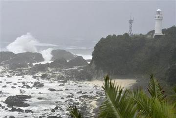 【台風11号】サーフィンで不明、男性を捜索…和歌山