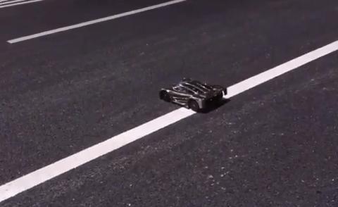 【動画あり】230キロ以上走るラジコンカーが完成wwwwwwww 速すぎだろwwwwwwwwwwwwwww