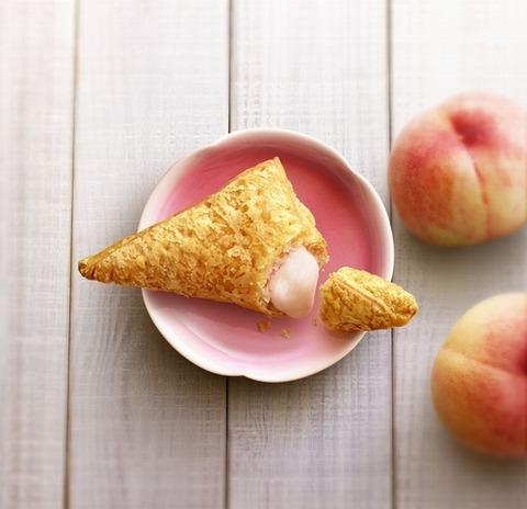 マックから和歌山県産・桃「白鳳」を使用した「三角ももクリームパイ」が登場!