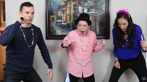 【Eh Bee Family】クレイジー過ぎる家族が新年を祝う動画が話題にwwwwwwww 娘がやべぇwwwwwww