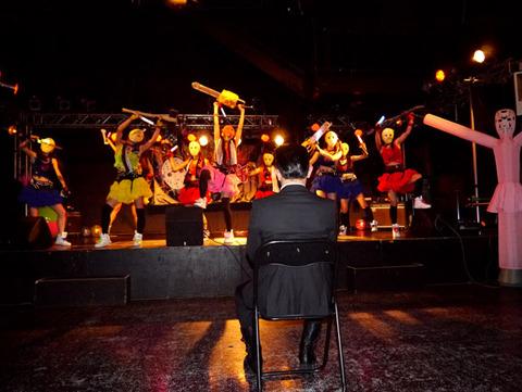 ヤフオクで落札された「ヘビメタアイドル」のライブが客ひとりで会場シュールすぎッ!