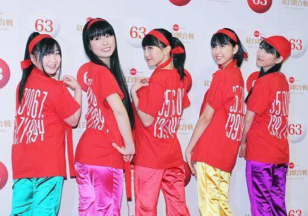 【ももいろクローバーZ】紅白Tシャツで宣言「大目標は国立ライブ!」