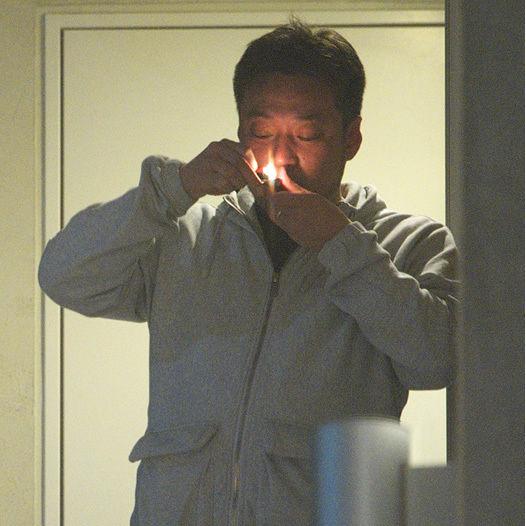 AKB総支配人・戸賀崎智信氏の脱法ハーブ吸引現場(画像あり) 未成年者と不倫行為も、今年の紅白は消滅か