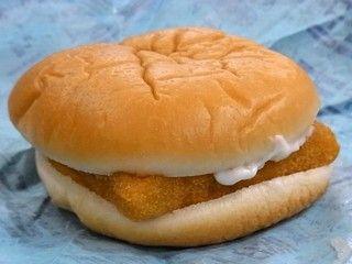 【画像あり】マクドナルドとモスバーガーの差が酷いwww