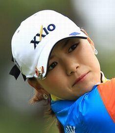 横峯さくらが日本女子プロゴルフ協会にブチ切れ! 「姉の結婚式に出席するのに、なぜ罰金なの?」